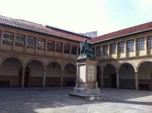 Patio del Edificio Histórico.- Universidad de Oviedo